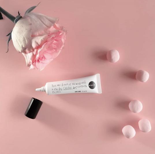 Magnolia bodegon cosmetica pink rosa redes sociales contenido